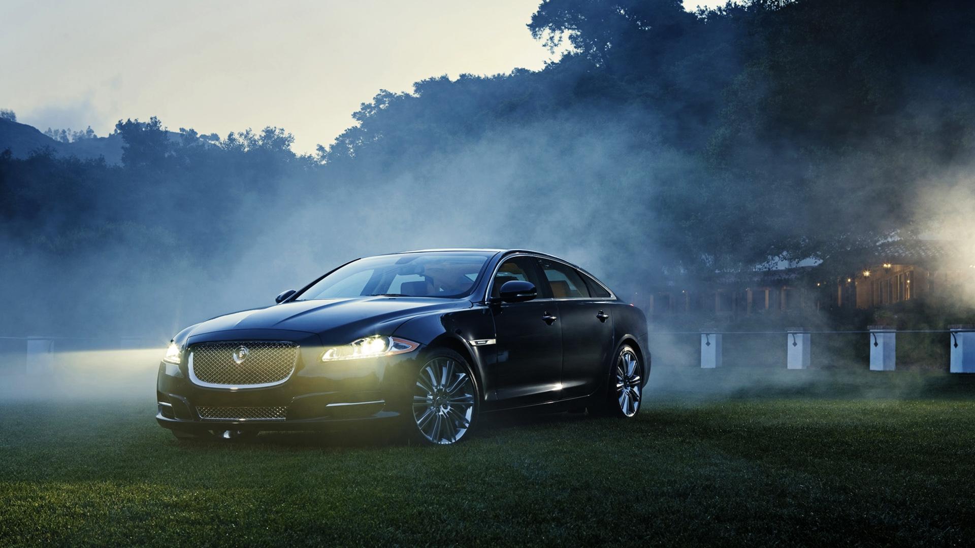 com articles and ev jaguars race hybrid car i img jaguarforums show road los jaguar la electrified pace angeles auto attend l a